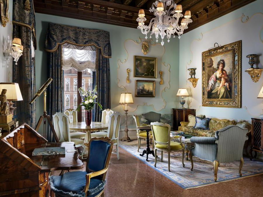 The Gritti Palace, Venezia. Punta Della Dogana Patron Canal Suite Livning Room
