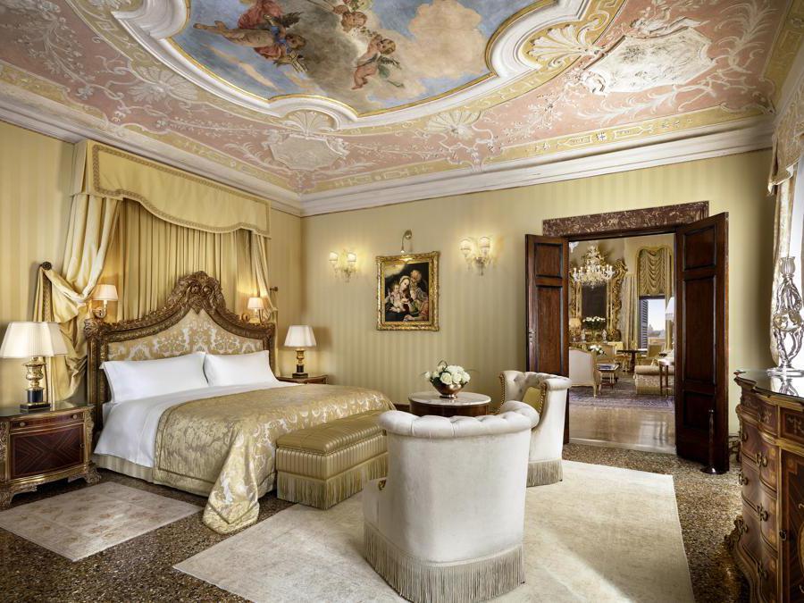 Hotel Danieli, Venezia. Doge Dandolo Royal Suite - Bedroom