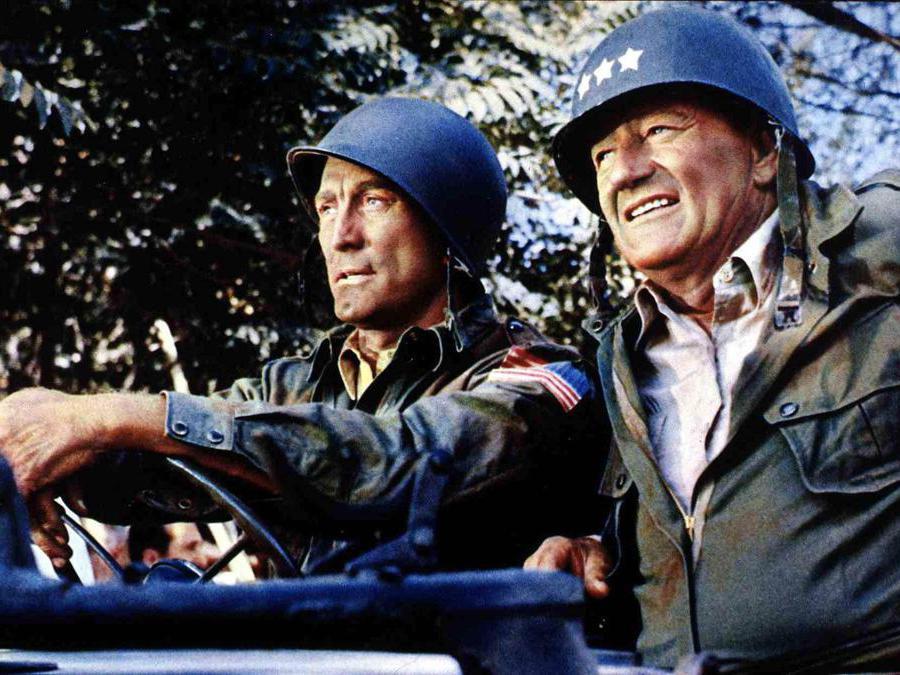 Film Prima vittoria (1965),  nella foto Kirk Douglas e John Wayne. Foto Italy Photo Press