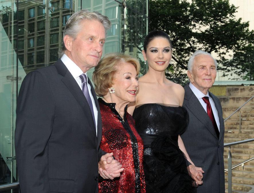 New York 24.05.2010, Chaplin Awards. Nella foto Michael Douglas , Anne Buydens Douglas, Catherine Zeta-Jones e Kirk Douglas. Foto Italy Photo Press