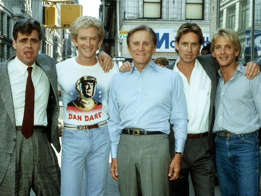 Los Angeles 10-05-1984.  Nella foto Kirk Douglas con i suoi figli avuti dai due matrimoni: Joe, Peter, Michael e Eric. Foto Italy Photo Press