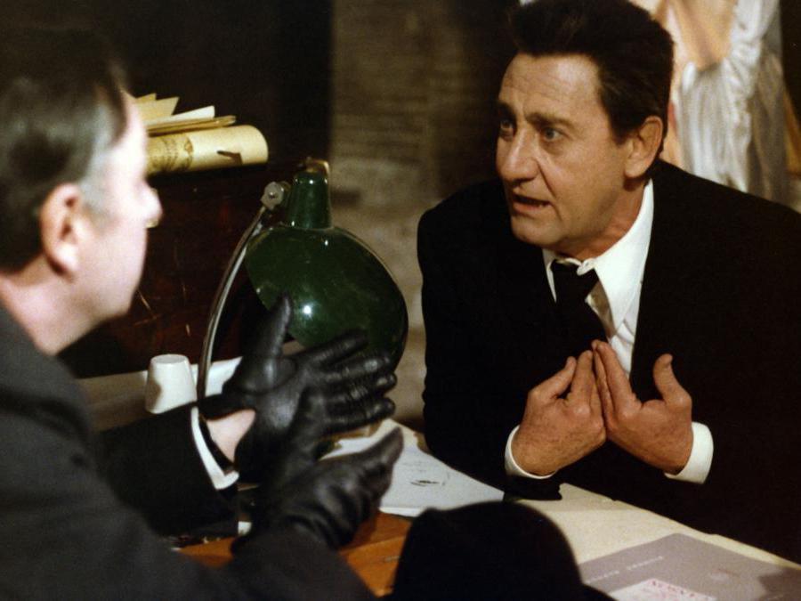 In Le temoin di Jean Pierre Mocky  (1978), con  Philippe Noiret (Afp)