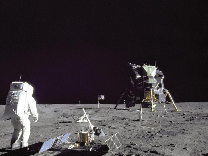 Apollo 11: il restauro della control room di Houston