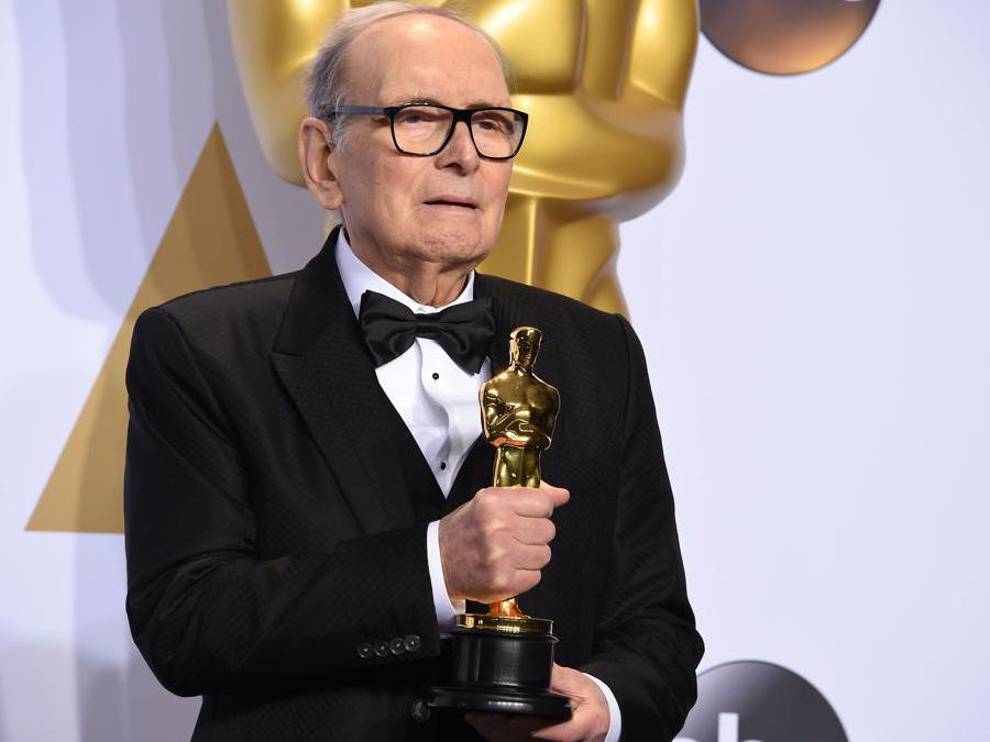 "28 febbraio 2016, Ennio Morricone riceve l'Oscar per la miglior colonna sonora del film ""The Hateful Eight, (Photo by Robyn BECK / AFP)"