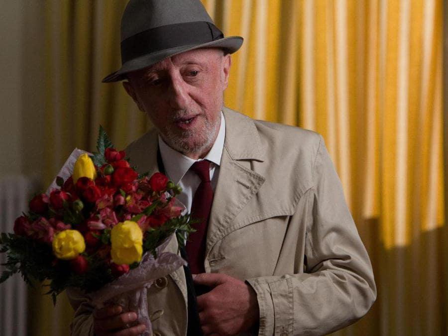 2008. Carlo Delle Piane sul set di  'Ogni giorno', cortometraggio di Francesco Felli (Ansa)