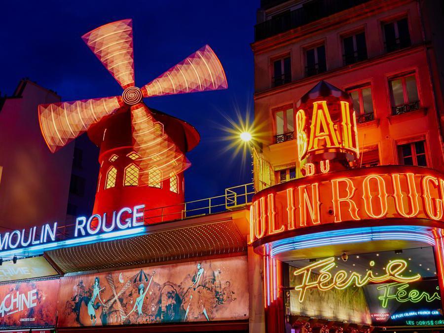 La facciata del Moulin Rouge