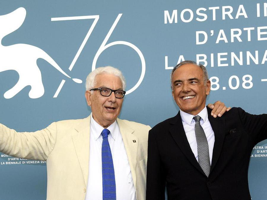 Da sinistra, il presidente della Biennale di Venezia  Paolo Baratta e il direttore del Festival  Alberto Barbera. (Ansa /Claudio Onorati)