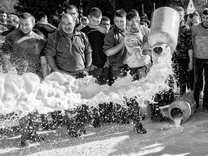 La protesta dei pastori sardi in mostra a Cagliari