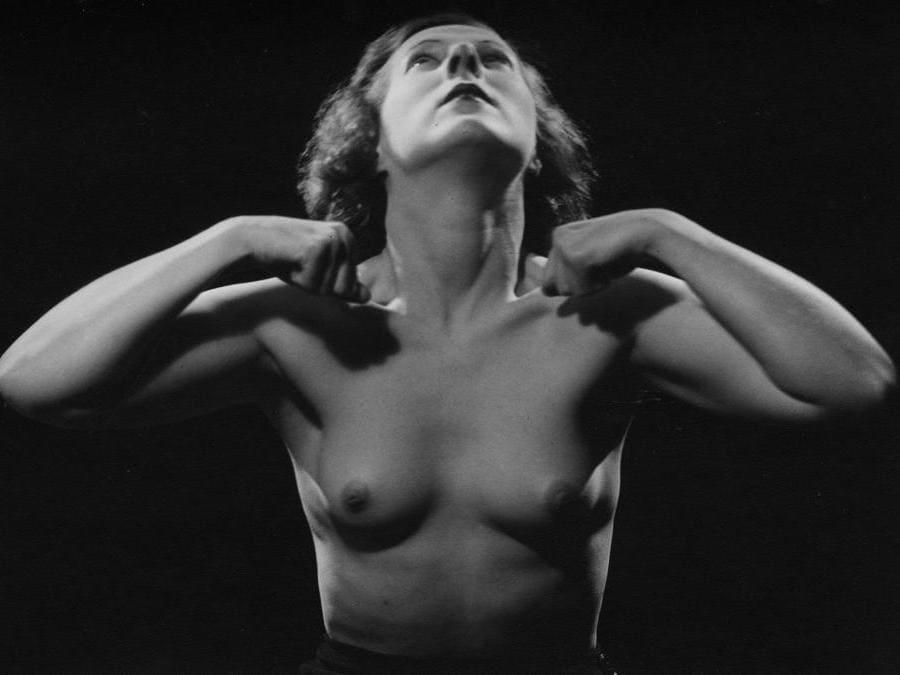 Man Ray,  Senza Titolo (nudo), 1934-1981, cm 13 x 22, Collezione Csac, Università di Parma, courtesy Csac, Università di Parma, Sezione Fotografia, © Man Ray Trust by Siae 2019