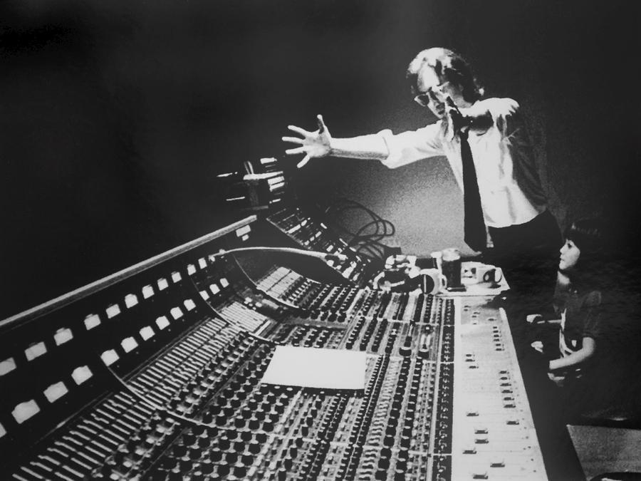 John Lennon  fotograto da  Terry O'Neill (Afp)