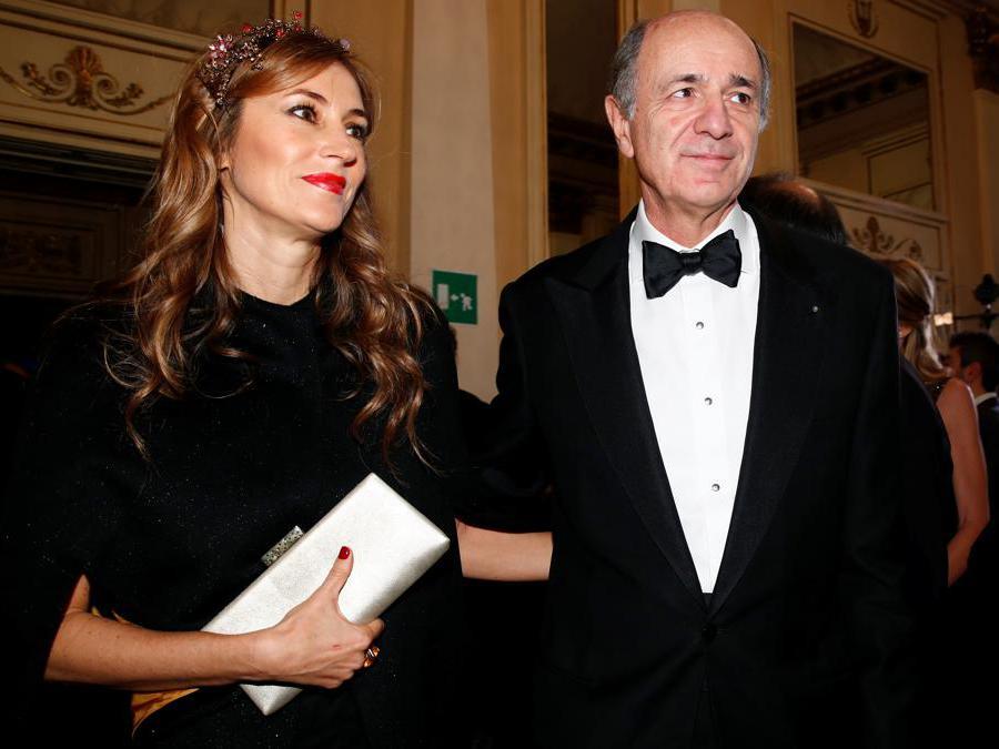 Corrado Passera con la moglie  Giovanna Salza. (Reuters/Alessandro Garofalo)