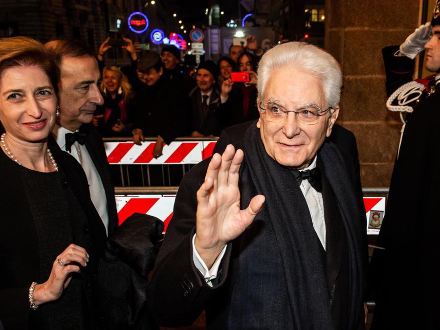 Il Presidente della Repubblica, Sergio Mattarella con la signora Laura (Agf)