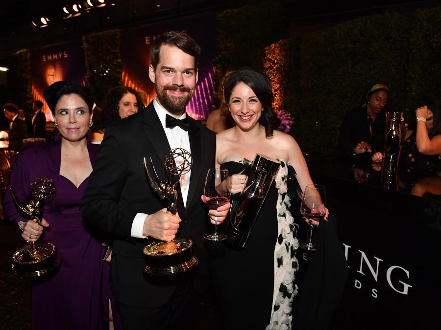 Alex Borstein,  a sinistra nella foto. (Photo by Vince Bucci/Invision for Sterling Vineyards/AP Images)