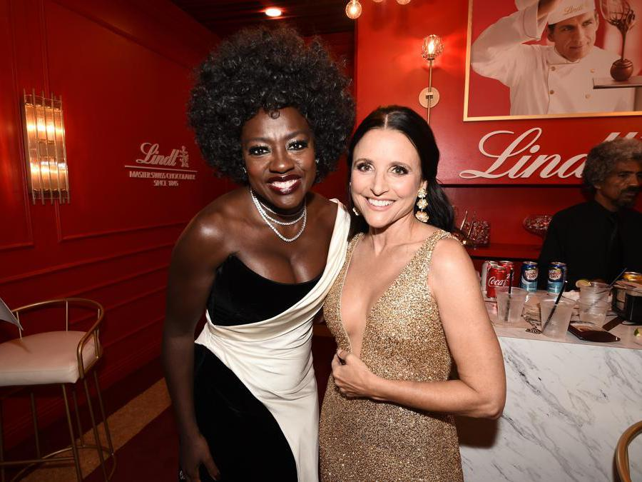 Viola Davis e  Julia Louis-Dreyfus.  (Photo by Dan Steinberg/Invision for the Television Academy/AP Images)