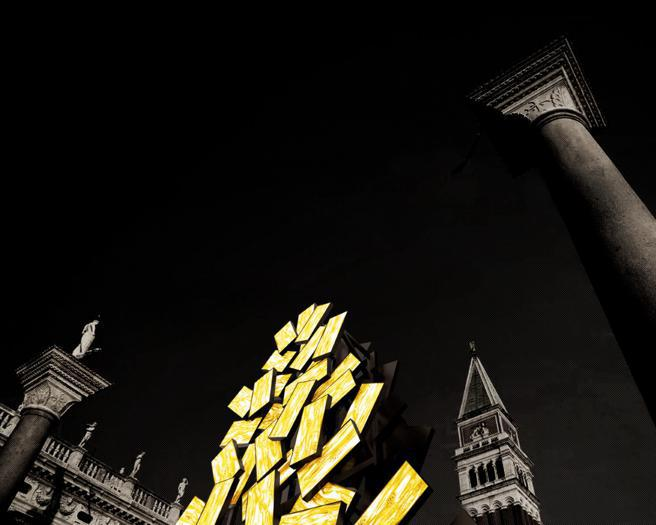 Un albero d'oro per il natale di Venezia