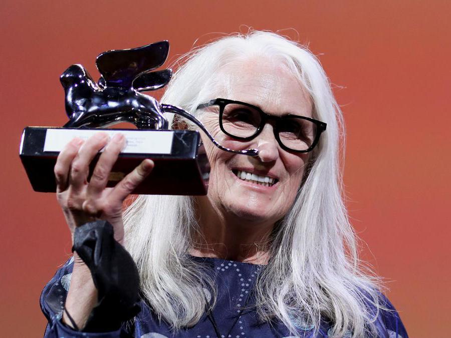 Leone d'argento per la miglior regia è andato alla neozelandese Jane Campion per «The Power of the Dog». (Reuters/Yara Nardi)