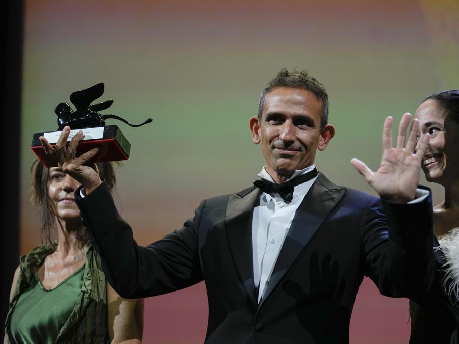 Michelangelo Frammartino, Premio Speciale della Giuria. per il film «Il buco».  (AP Photo/Domenico Stinellis)