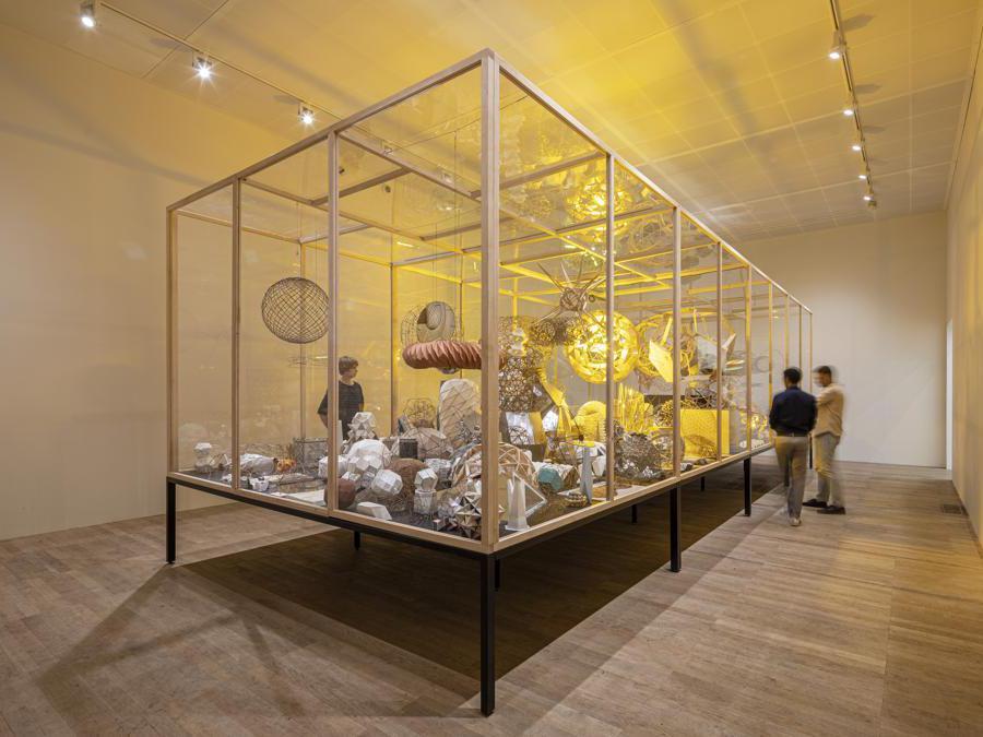 Olafur Eliasson in collaborazione con  Einar Thorsteinn «Model room» 2003.  Installazione presso la «Tate Modern, Londra» (Photo: Anders Sune Berg)  2019 Olafur Eliasson
