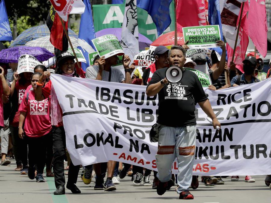Quezon città a nordest di Manila.   (AP Photo/Bullit Marquez)