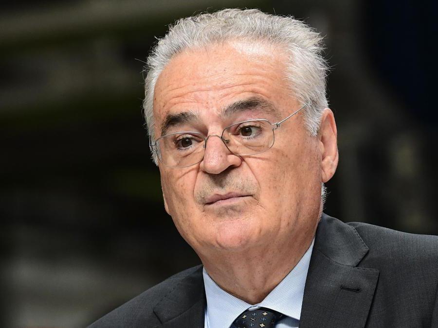 Il responsabile della produzione Ema, Luigi Galante (Ap/Miguel Medina)