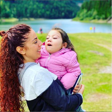 Beatrice Landi  Mamma di Micol, bimba affetta da una malattia rara - Influencer score: 83