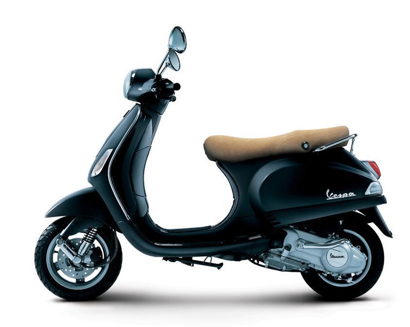 """Vespa S 50 e LX 50 (2009) - Il nuovo motore 50cc, quattro tempi e quattro valvole, favorisce la riscoperta di una cilindrata """"mitica"""", pietra miliare nella storia di Vespa"""