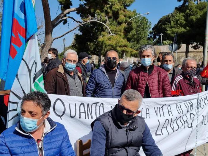 Termini Imerese operai ex Fiat di nuovo in piazza