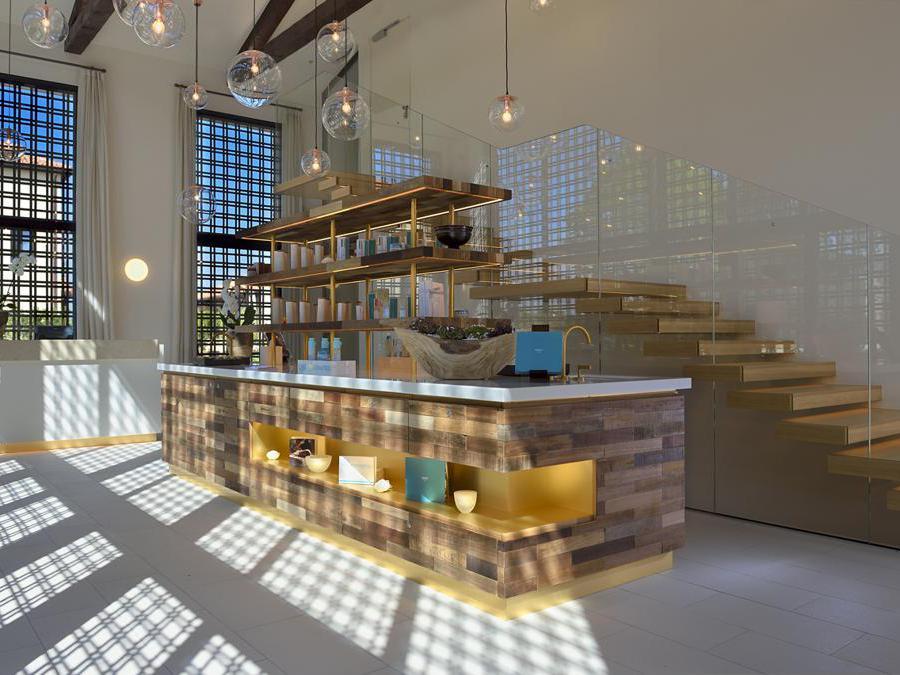 Il  JW Marriott Venice Resort + Spa progettato da Matteo Thun & Partners e Luca Colombo con ceramiche  Casalgrande Padana
