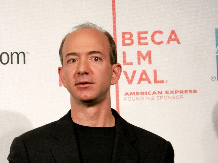 2005 - Jeff Bezos parla al Tribeca Film Festival di New York. (Photo by Paul Hawthorne/Getty Images)