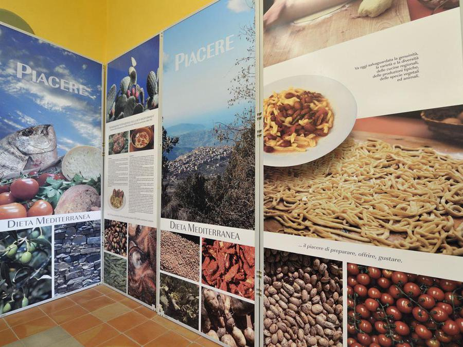 2012 -  Pioppi frazione di Pollica (Sa),  il Museo del Mare e della Dieta Mediterranea . (Agf)