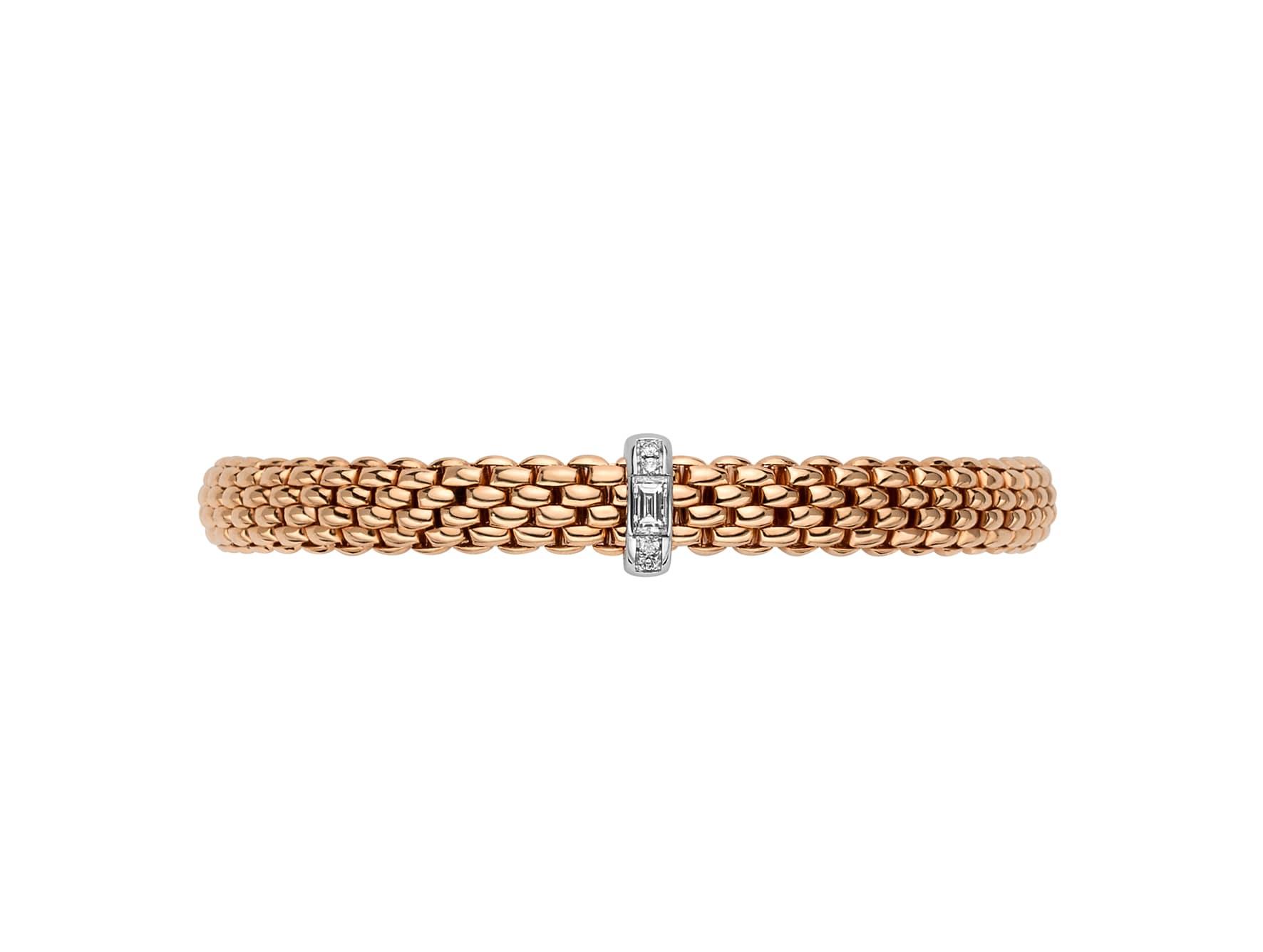 Bracciale Flex'it in oro flessibile, con rondelle in pavé di diamanti, FOPE (da 4.710 €).