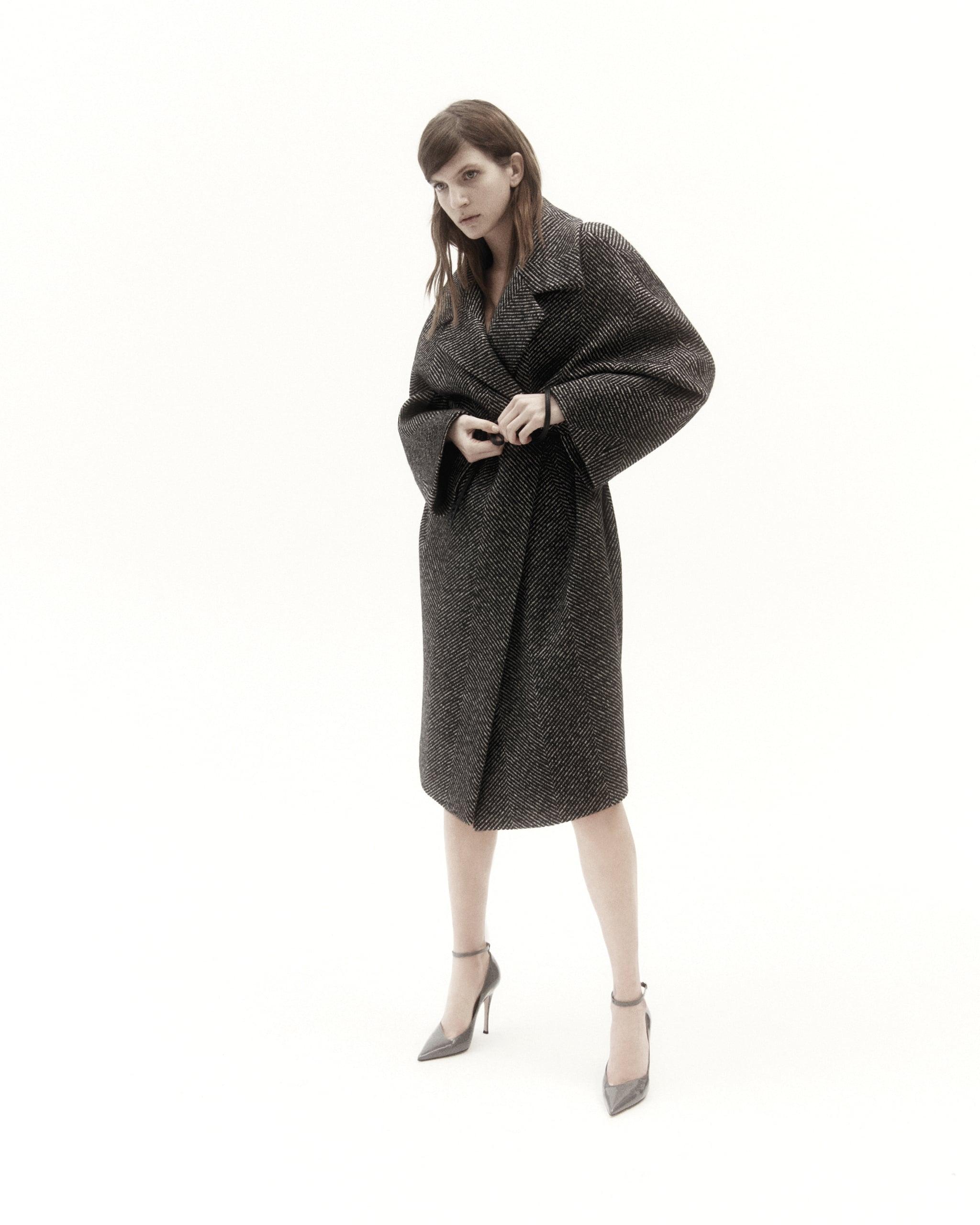 Alessandro Dell'Acqua per Elena Mirò. Maxi cappotto in chevron di lana.