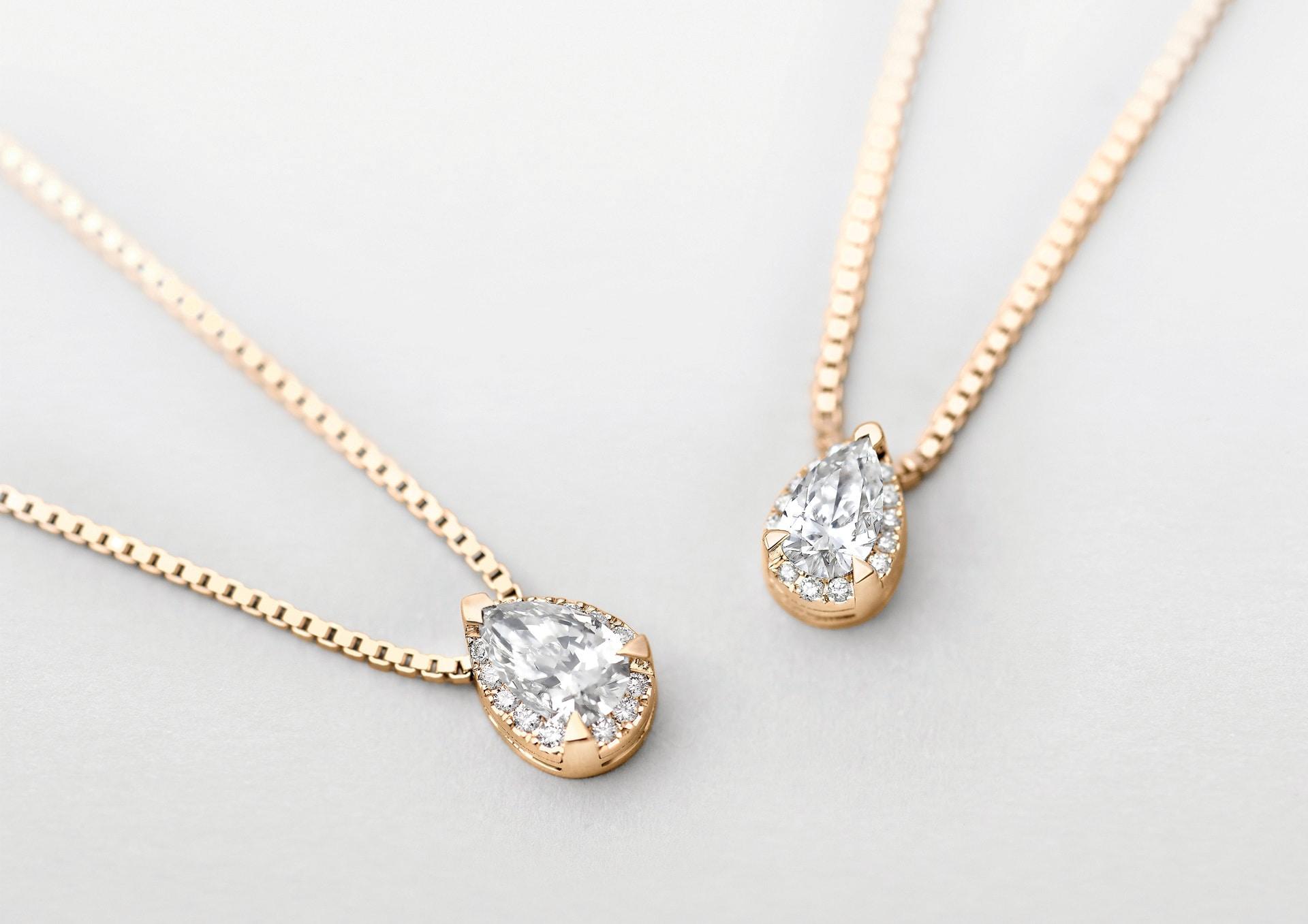 Giorgio Visconti. Girocollo solitario Io Luce, in oro rosa con diamante taglio goccia centrale e contorno di diamanti taglio brillante.