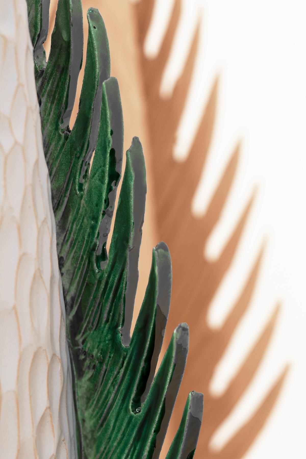 Un particolare del vaso di Sara Ricciardi. (courtesy of Ceramiche Rometti)