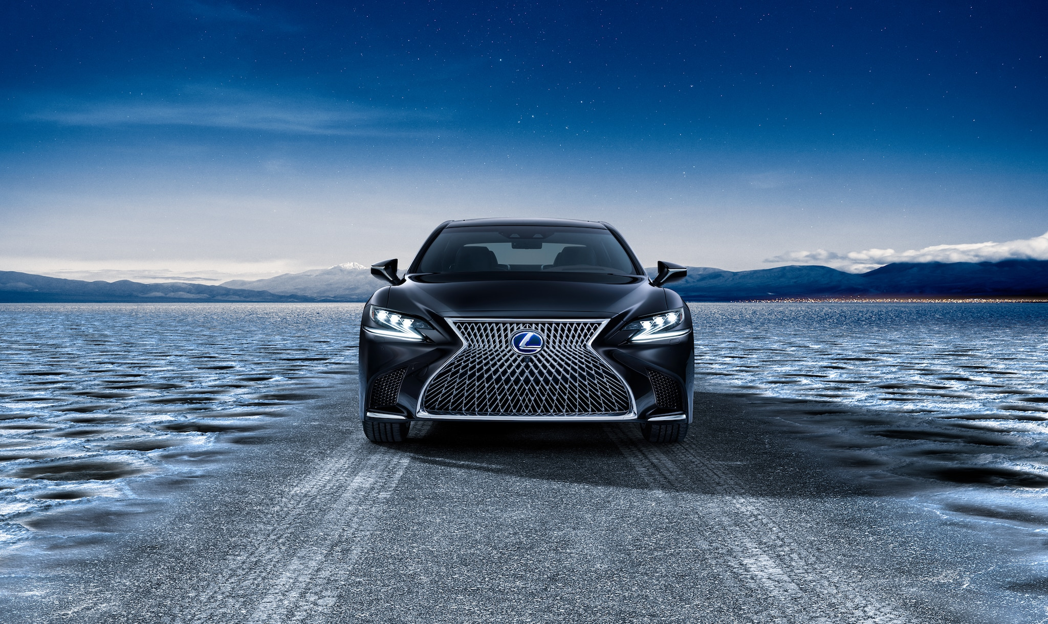Lexus, trent'anni di lusso giapponese in foto