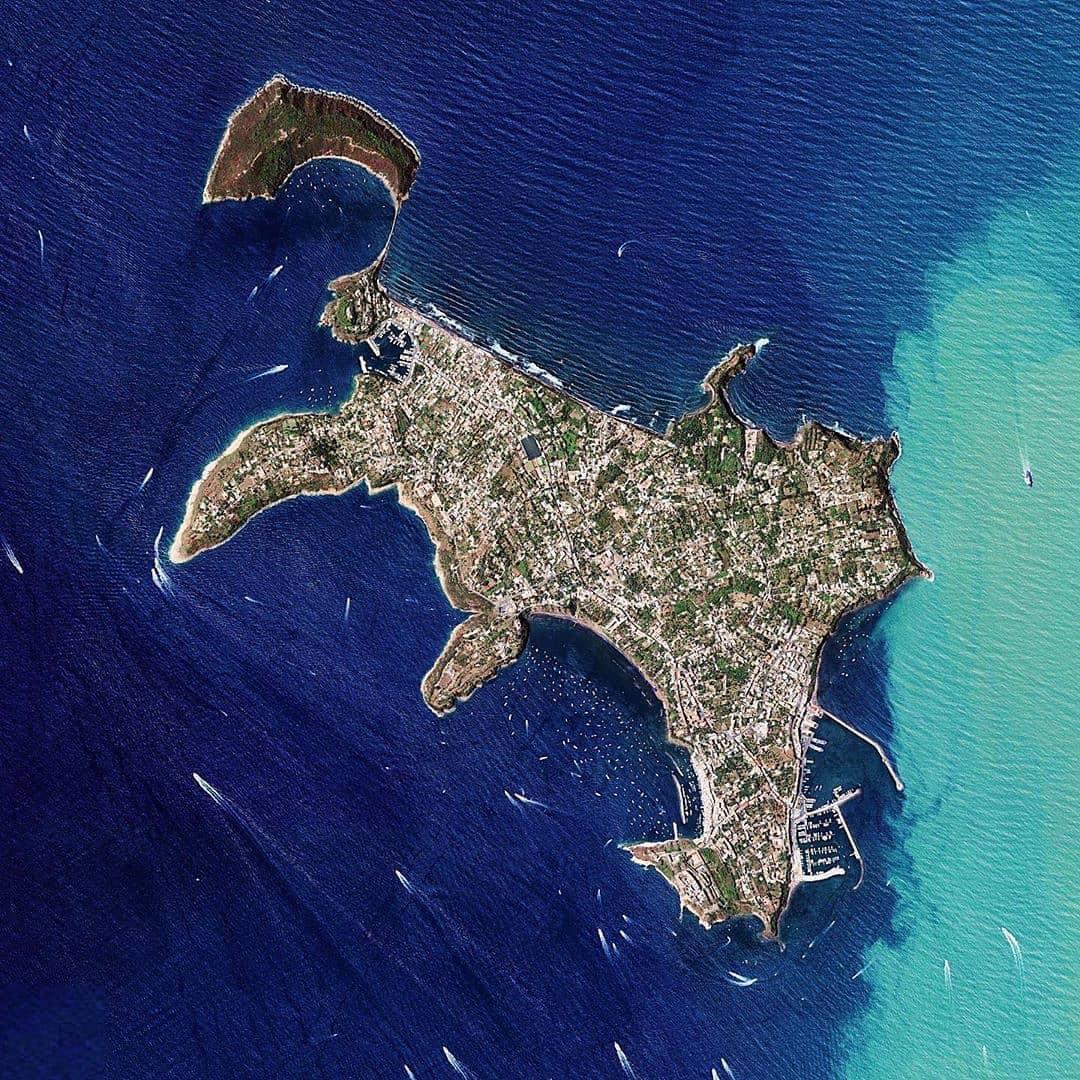 L'Isola di Procida vista dal satellite.