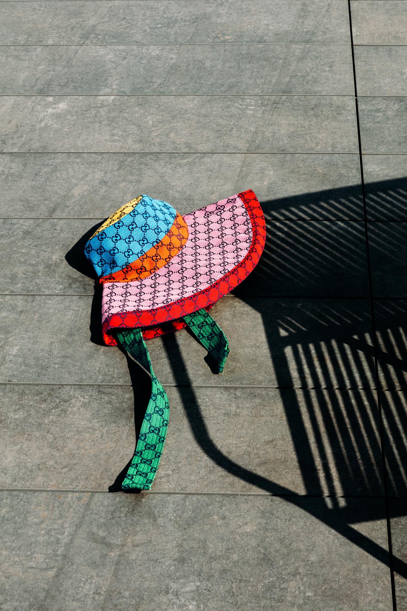 Cappello in jacquard GG, GUCCI. Foto Lea Anouchinsky.