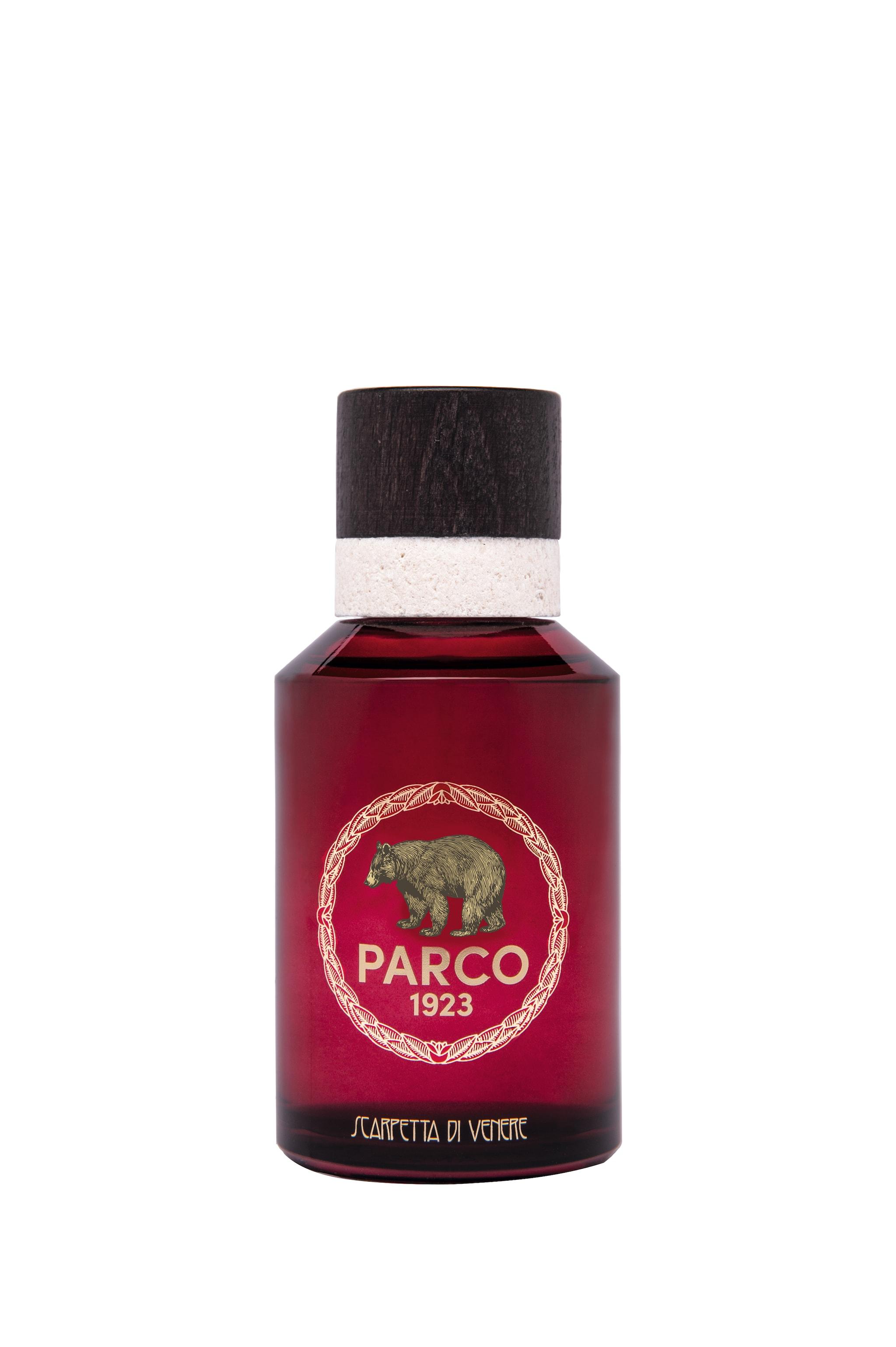 Profumo Scarpetta di Venere dal nome della rara pianta di montagna con note dolci e colore deciso, PARCO 1923 (100 ml, 140 €).