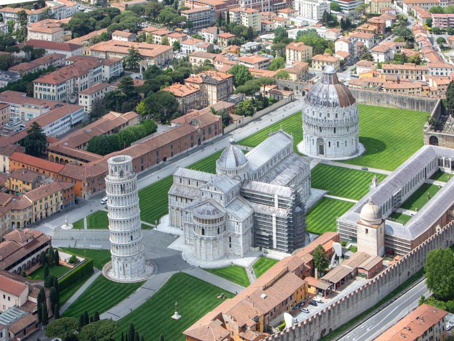Pisa, piazza dei Miracoli (Giuseppe Zicarelli).