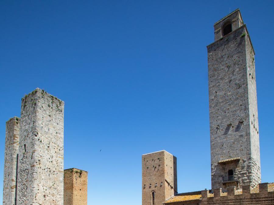 San Gimignano, piazza Duomo (Zicarelli).