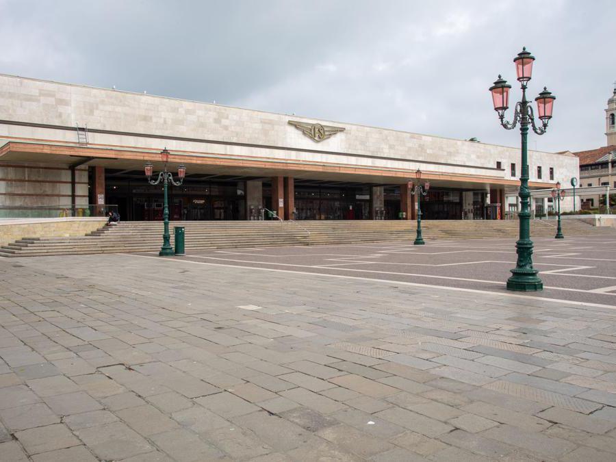 Venezia, stazione FS Santa Lucia (Giuseppe Zicarelli).