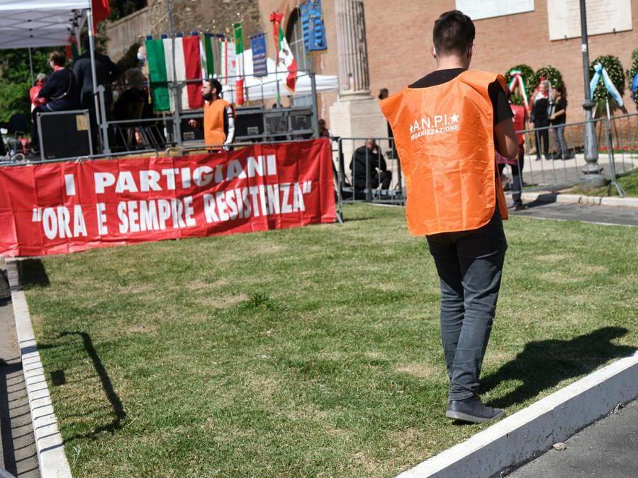 Manifestazione 25 aprile (LaPresse/Mauro Scrobogna)