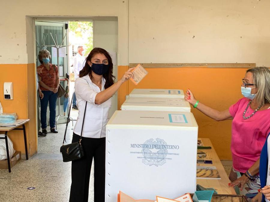 Il voto di Susanna Ceccardi, candidata per il centrodestra alla presidenza della Regione Toscana, Zambra (Pisa), (Ansa/Gabriele Masiero)