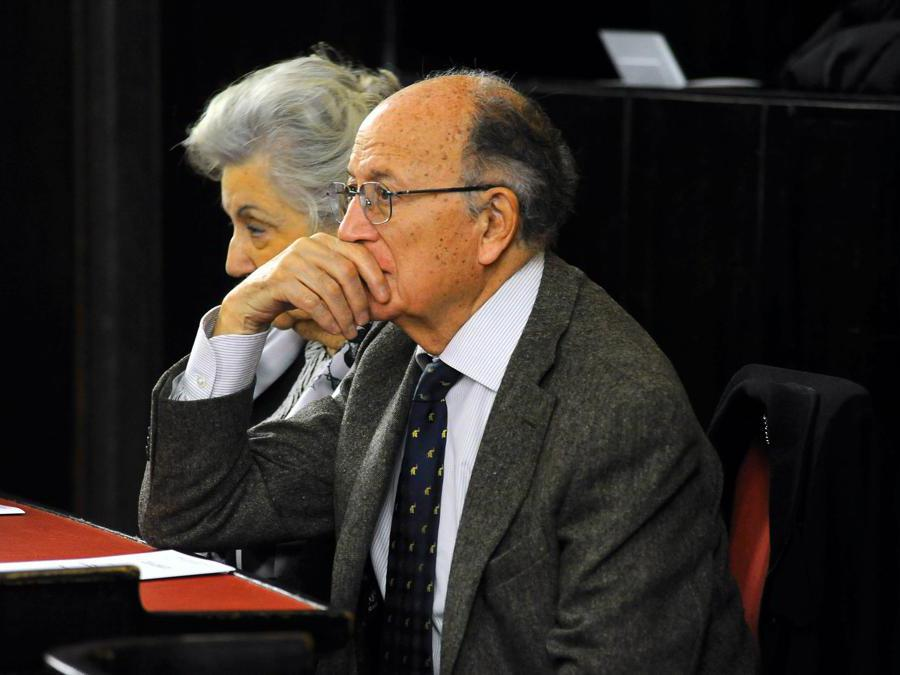 Milano incontra la poesia, ricordo di Enzo De Negri, Francesco Saverio Borrelli in Aula Consiglio Comunale di Palazzo Marino - 2011 (Maurizio Maule/Fotogramma)