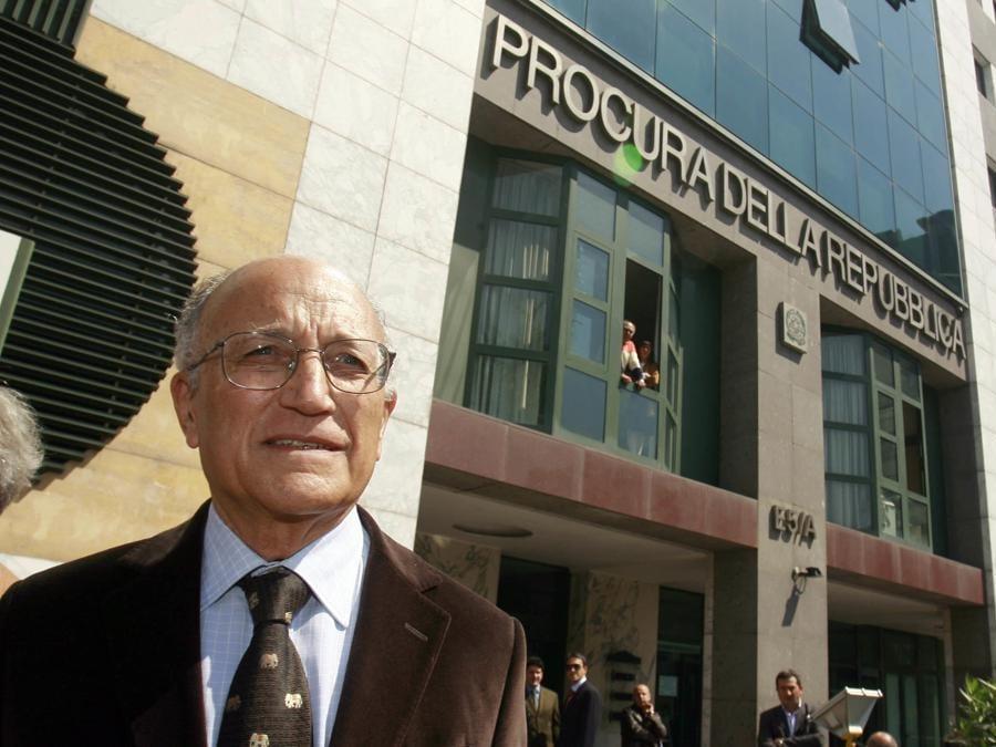 Napoli  2007 - Procura della Repubblica - Il capo ufficio indagini della Figc Francesco Saverio Borrelli  (Fotogramma)