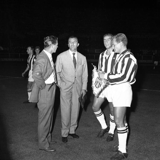 Giampiero Boniperti con Carlo Parola nel 1960 (Juventus FC - Archive/Juventus FC -  Getty Images)