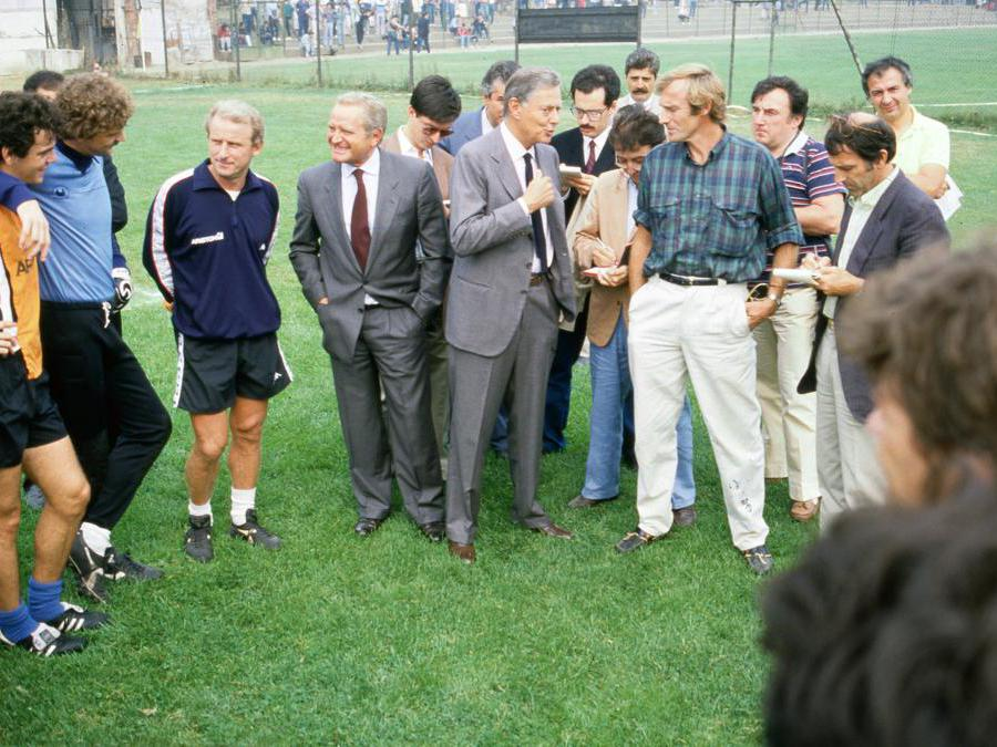 Giampiero Boniperti conTrapattoni, Morini e Umberto Agnelli nel 1980 (Juventus FC - Archive/Juventus FC -  Getty Images)