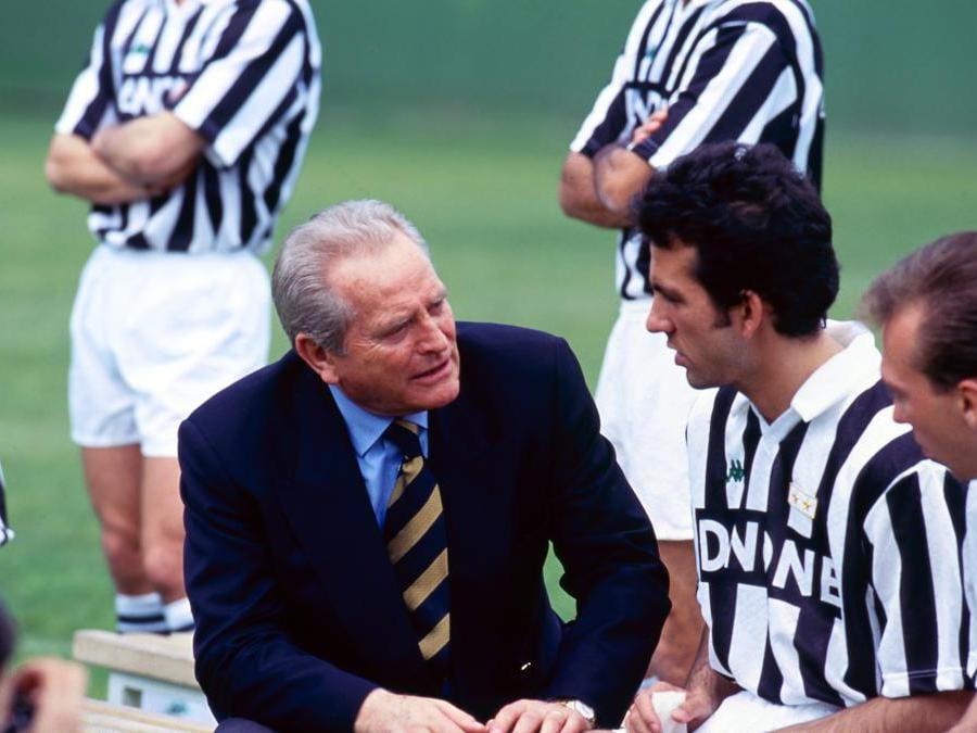 Giampiero Boniperti con Di Canio e Platt nel  1992 a Torino (Juventus FC - Archive/Juventus FC -  Getty Images)