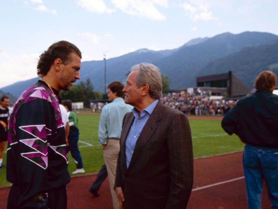 Giampiero Boniperti e Stefano Tacconi (Juventus FC - Archive/Juventus FC via Getty Images)