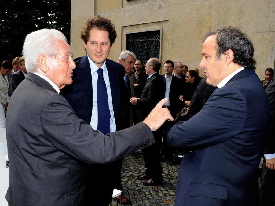 Giampiero Boniperti, John Elkann e il presidente Uefa Michel Platini durante la commemorazione della tragedia dell'Hysel  (Claudio Villa/Getty Images)